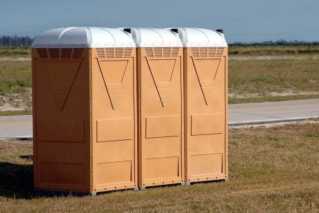 The portable toilet rental question: Toilet blocks or chemiloos?